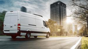 parcel-van-driving-omnichannels-missing-link_243360779